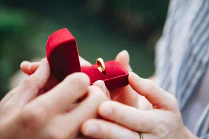 7 steps to buying the perfect engagement ring