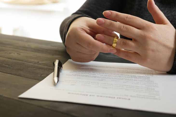 This divorce checklist helps you cover your finances in a separation