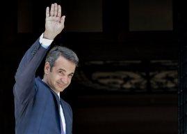 Bloomberg: «Η Ελλάδα επιστρέφει στην κανονικότητα»
