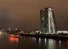Καμπανάκι της ΕΚΤ για τους περιβαλλοντικούς  και κλιματικούς κινδύνους που απειλούν τις τράπεζες