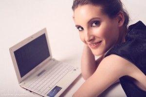 Monica Valle presentadora Mundo Hacker