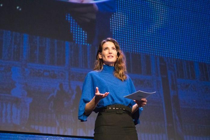 Monica Valle bit life media presentadora maestra de ceremonias tecnologia innovacion ciberseguridad periodista presentadora liferay symposium 2019
