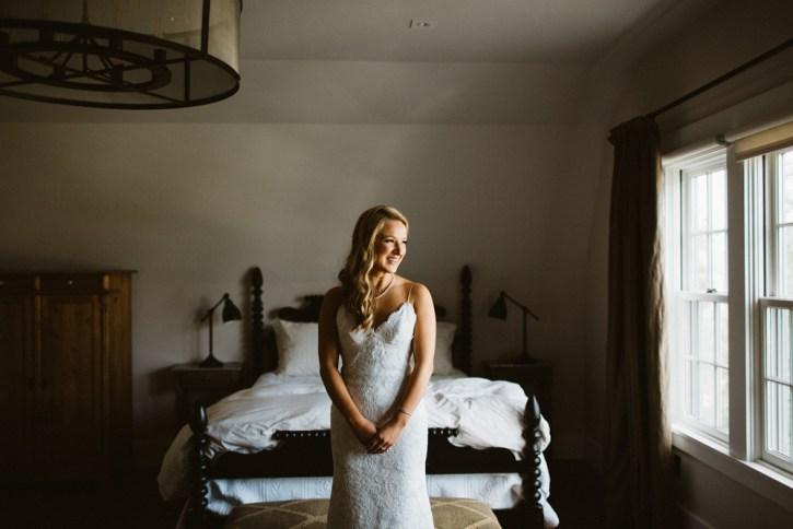 Newport-bride-getting-ready