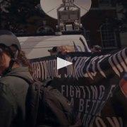 Meno fucili, più telecamere