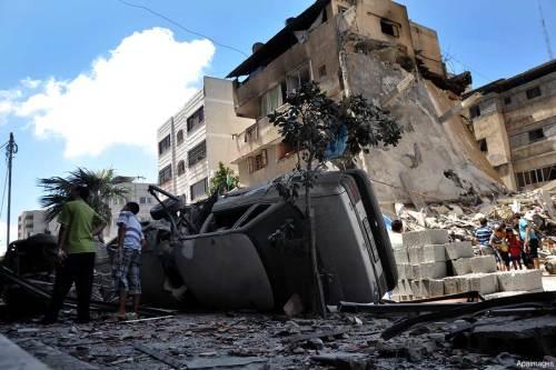 """Los efectos de la operación israelí """"Pilar defensivo"""" en Gaza sobre la casa de la familia Al-Raziq"""