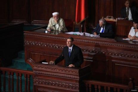 20160731_Habib-Essid-delivers-speech-in-Tunisian-parliament-1