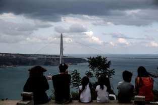 ESTAMBUL, TURQUÍA: Un puente entre aguas revueltas. El tercer puente de la ciudad se nos desvela conectando las partes europea y asiática de Estambul