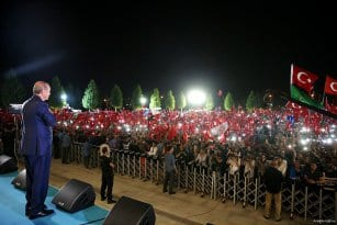 Turkey-stand-against-failed-coup-attempt-04