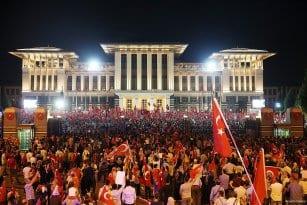 Turquía contra de golpe de estado fallido.