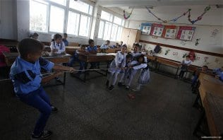 1.2m-Palestinian-students-back-at-school-05