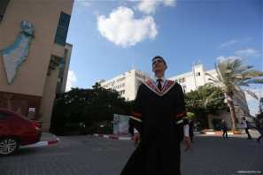 Graduation-ceremonies-Gaza-university-students-05