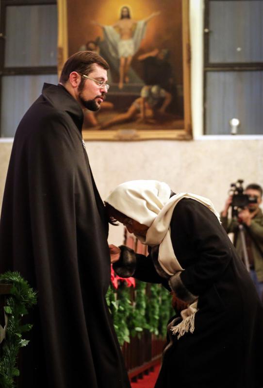 TEHERÁN, IRÁN - 01 DE ENERO: Armenios durante una masa del Año Nuevo en la iglesia del St. Sarkis en Teherán, Irán el 1 de enero de 2017. (Fatemeh Bahrami - Agencia de Anadolu)