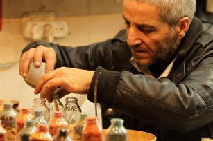 Hebrón, Cisjordania: Un arte resbaladizo