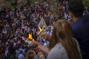 Los yazidíes iraquíes se reúnen para celebrar el Año Nuevo Yazidí