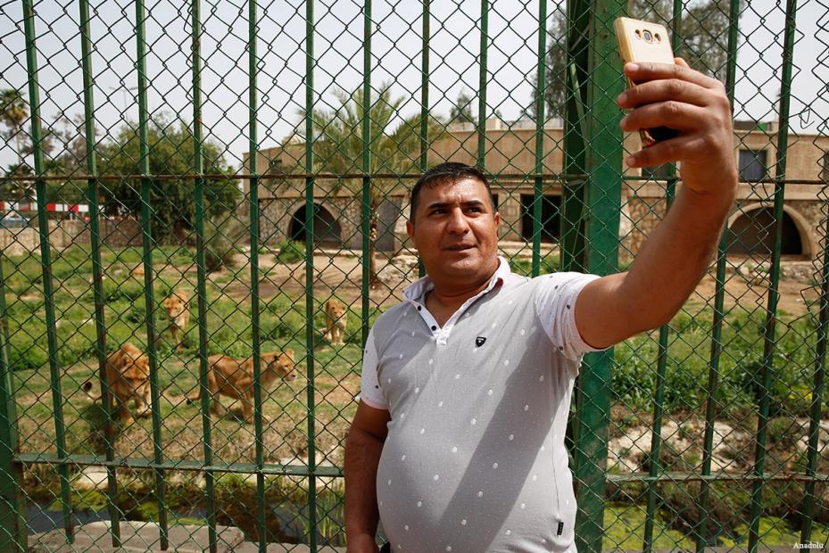 BAGDAD, IRAK- Déjame hacerme un selfie!