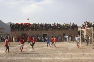 TAIZ, YEMEN- El partido final de la Liga Amateur de Taiz entre los equipos Al Sumud y Al Easifa tuvo lugar en el campo de fútbol de Kidre, en la región Qadas de Taiz