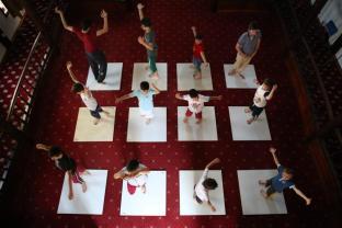 Bursa, TURQUÍA - Os presentamos a los futuros derviches. Meses de entrenamiento físico y espiritual harán de estos adolescentes unos grandes derviches