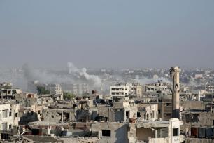 DAMASCO, SIRIA - 17 DE AGOSTO: Las fuerzas del régimen de Assad llevaron a cabo un ataque aéreo en la ciudad de Ein Terma qal este de Guta, zona bajo control de los opositores, Damasco, Siria, el 17 de agosto de 2017. (Ammar Süleyman - Agencia Anadolu)
