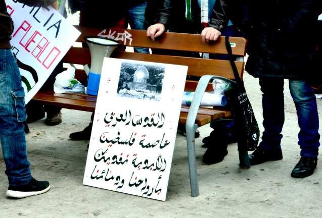 Pancarta de la manifestación en Granada