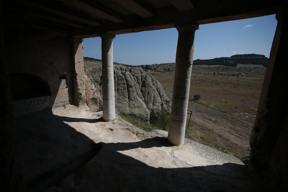 Tumba del Rey Midas y restos de Phrygian, en el antiguo sitio de Gordion en Eskisehir, Turquía, 1 de agosto de 2018 [Ali Atmaca / Agencia Anadolu]