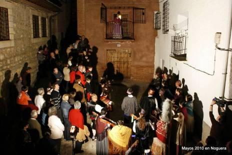 Imágenes de la recreación popular de la expulsión de los morisco geanos.