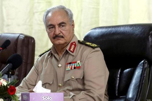 Haftar de Libia admite el envío de miembros de Daesh…