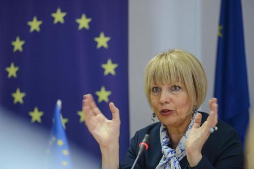 Una alta diplomática de la Unión Europea muestra su apoyo…