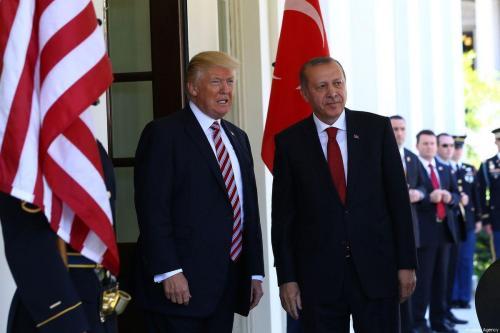 Erdogan dice que Trump puede suspender las sanciones a Turquía…