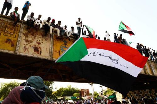Un hombre sudanés muere en un tiroteo durante una protesta…