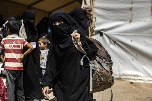 Campamento Al-Hol: en medio de condiciones infernales, las esposas del…
