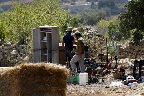 El primer ministro de Israel permite a los colonos adueñarse…