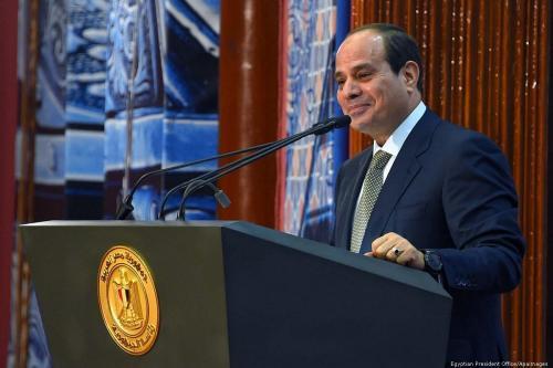 Cientos de miles de tuits piden que Sisi renuncie