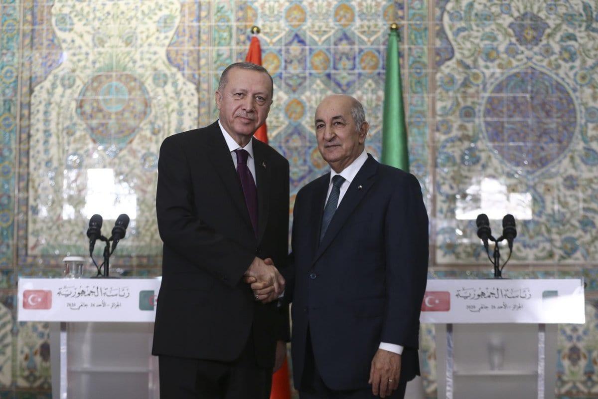 ARGEL, ARGELIA - 26 DE ENERO: El presidente turco, Recep Tayyip Erdogan, y el presidente argelino, Abdelmadjid Tebboune, celebran una conferencia de prensa conjunta después de su reunión en la oficina presidencial en Argel, Argelia, el 26 de enero de 2020. (Erçin Top - Agencia Anadolu)