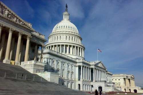 La Cámara de los Estados Unidos vota para controlar los…