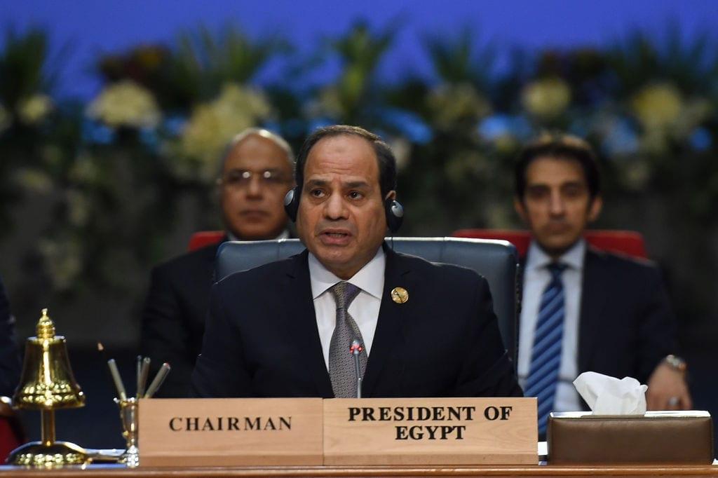 El presidente egipcio, Abdel Fattah Al-Sisi, el 25 de febrero de 2019 [MOHAMED EL-SHAHED / AFP / Getty Images]