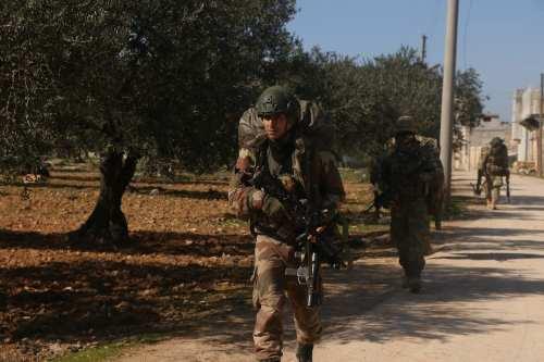 Turquía contendrá el movimiento de tropas en Siria mientras los…