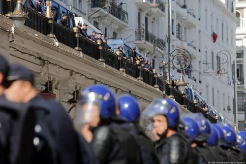 Argelia: Ex jefe de policía condenado a 15 años de…