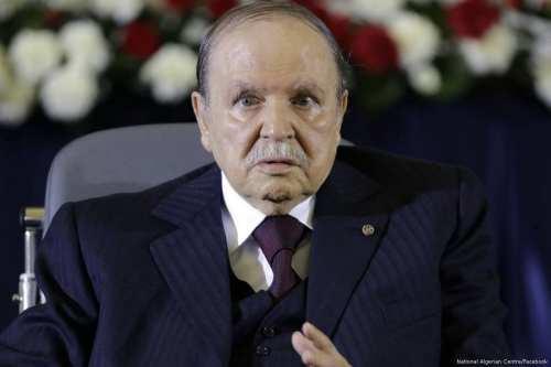 Bouteflika vive en completo aislamiento en su casa médicamente equipada