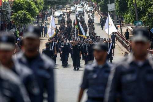 Las fuerzas de seguridad palestinas se retira de la zona…
