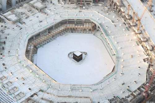Las mezquitas saudíes se reabren para las oraciones después de…