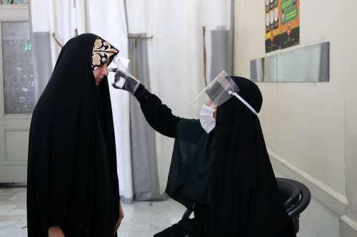 Una persona muere por coronavirus cada 10 minutos en Irán,…