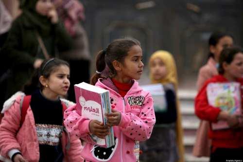 Los niños vuelven a la escuela en una Siria devastada…