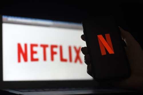 """Netflix puede emitir """"porno"""" en Arabia Saudí, pero no criticar…"""