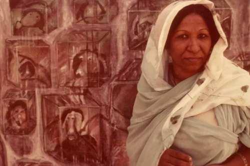 Un artista sudanesa rechaza un premio francés por sus manifestaciones…