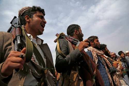 Los hutíes afirman haber matado a 8 soldados saudíes en…