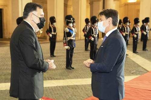 Libia e Italia firman un acuerdo de cooperación militar