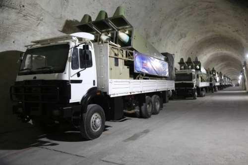 Irán lleva a cabo ejercicios con misiles en el Golfo…