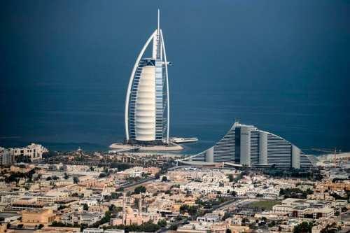 EAU bate record de casos de COVID-19 por 4 días…