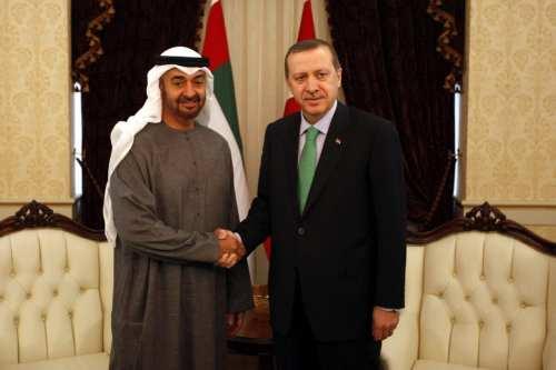 Turquía y los Emiratos Árabes Unidos avanzan en la mejora…