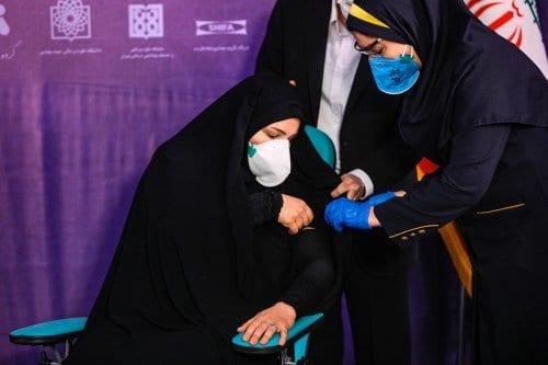 Irán recibe vacunas extranjeras contra la Covid